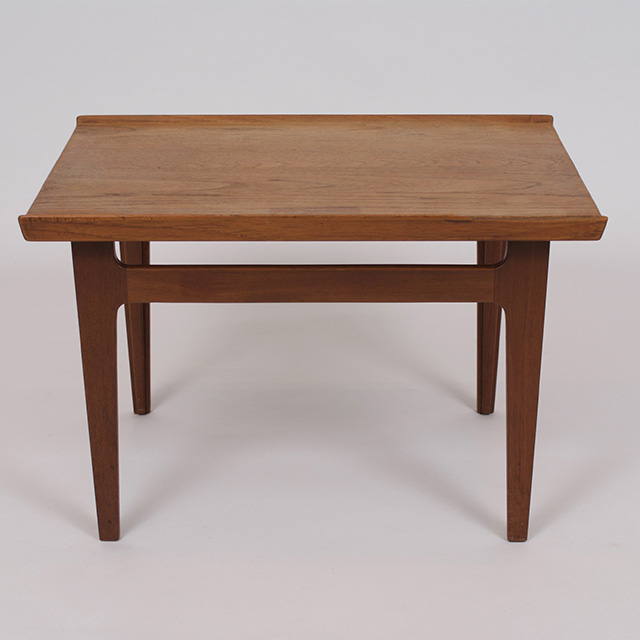 Model FD635 Teak Lamp Table
